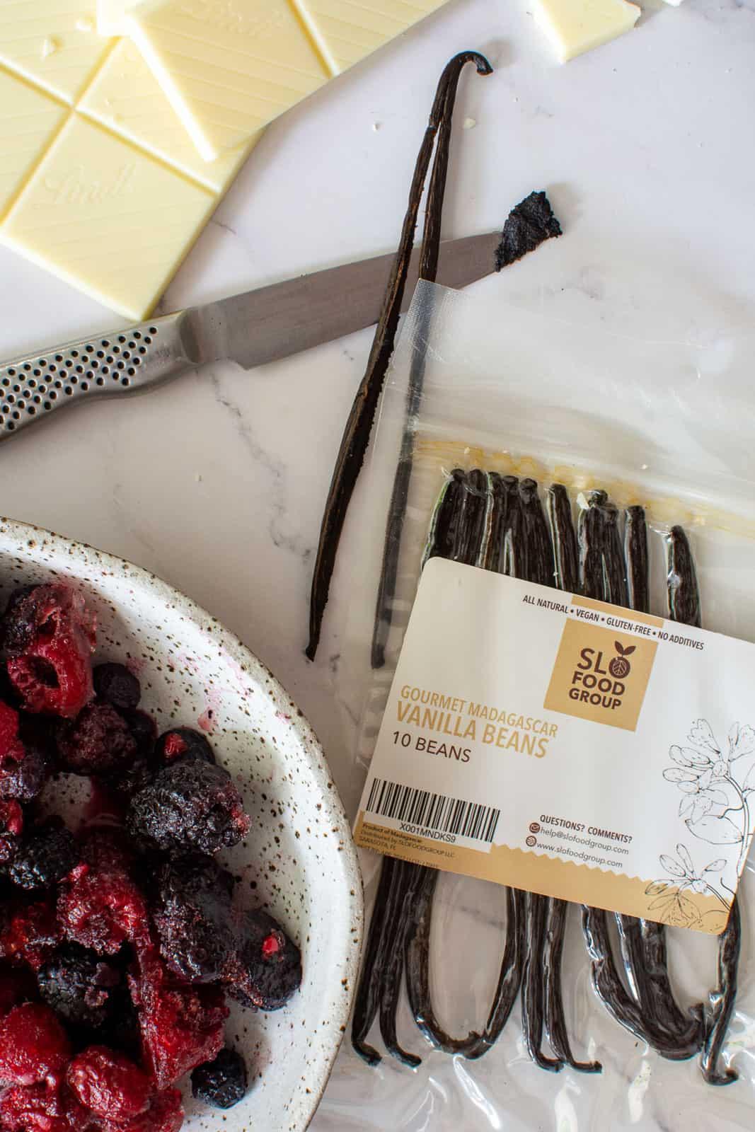 slofoodgroup vanilla, white chocolate & frozen berries